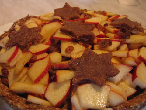 xmas apple pie with cinnamon stars